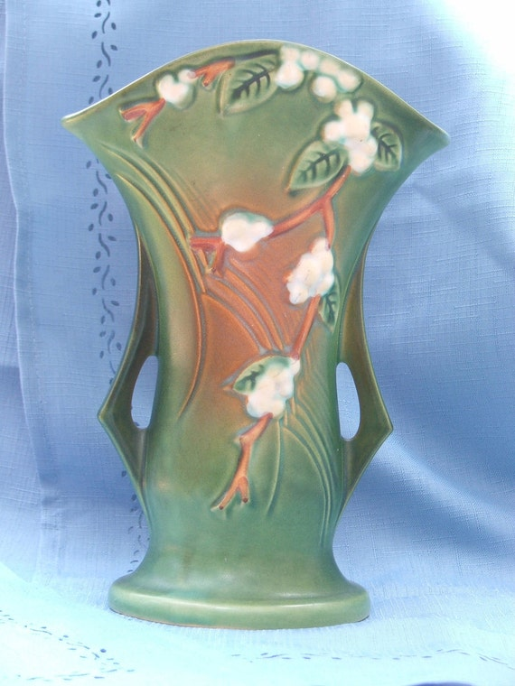 Roseville Pottery 1V2-9 Snowberry Vase
