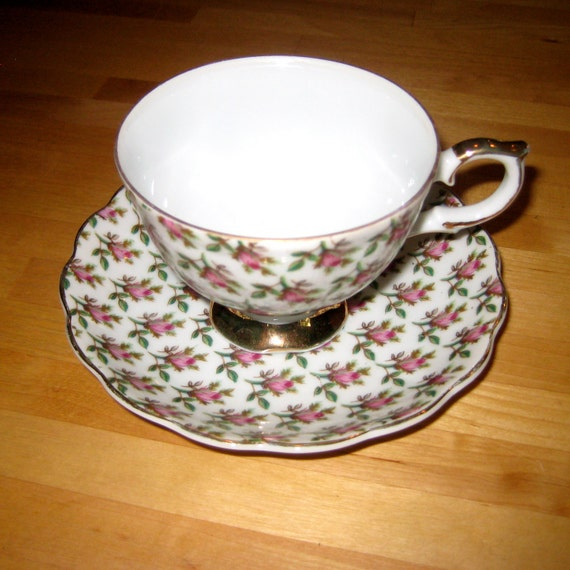 Seeing Roses Vintage Teacup