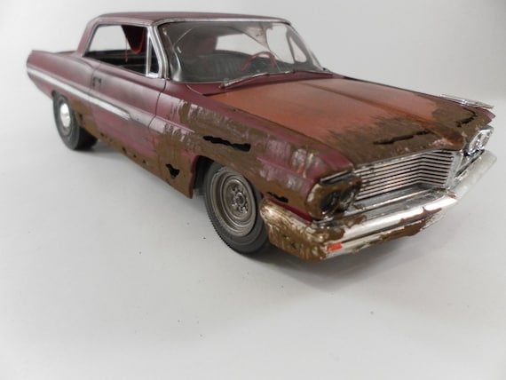 1962 Pontiac catalina 1/24 scale model car in red