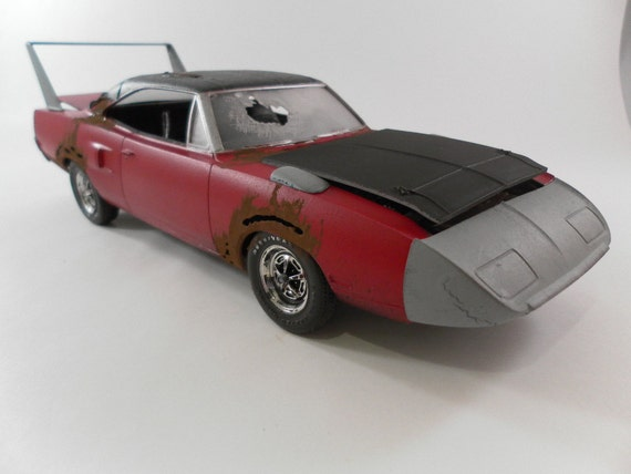 1970 Plymouth SuperBird 1/24 scale model car in red