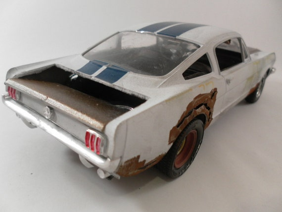 1966 Ford Mustang 1 24 Scale Model Car In White