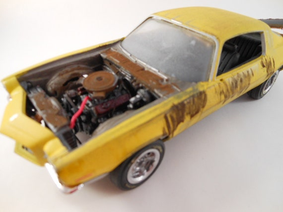 1970 Chevrolet Camaro 1/24 scale model car in yellow