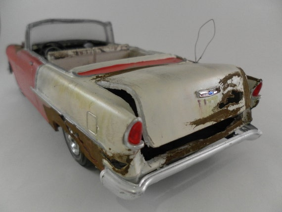 1955 Chevrolet 1/24 scale model car in red and white
