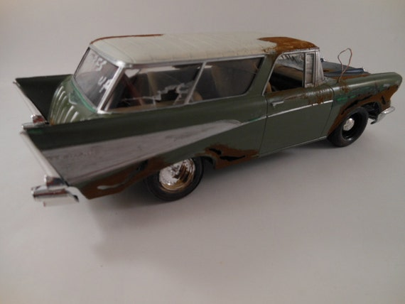 1957 Chevrolet Nomad 1/24 scale model car in green