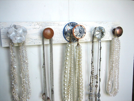 Accessories Rack with Five Interesting Knobs