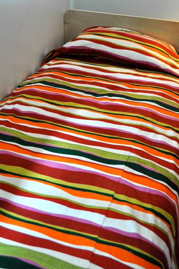 Twin size coverlet in great fabric mod colors Canvas