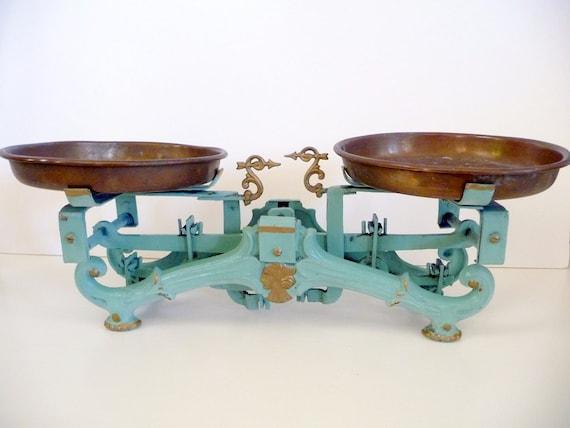 Antique Scale Balance Vintage Kitchen Scale// Chippy Green Paint European Cast Iron// Farmhouse Shabby Decor