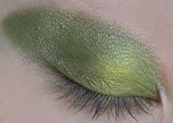 Green Apple Shimmery Eye Shadow 5g