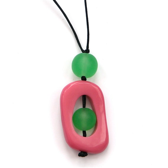 Resin Nursing Necklace/Breastfeeding Necklace - Non Toxic  'Twiddle Buster' Pendant - Pink and Green