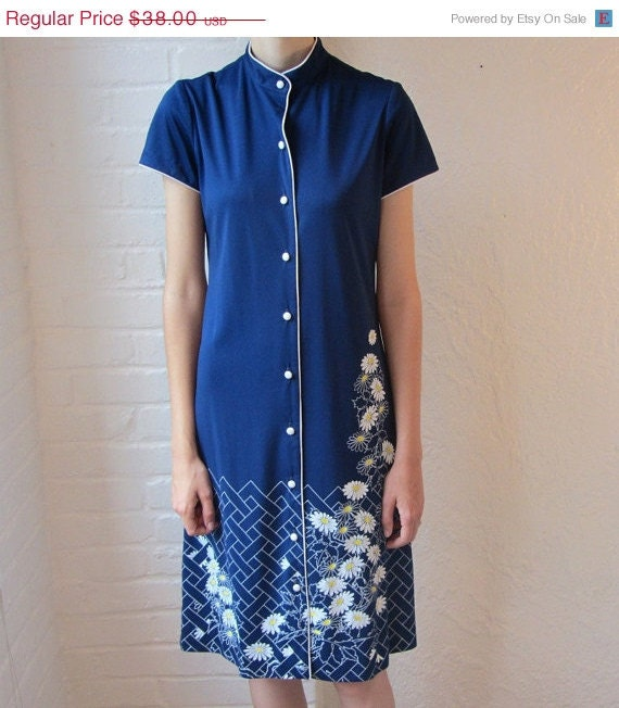 SALE Vintage Alfred Shaheen dress // 70s blue daisy dress