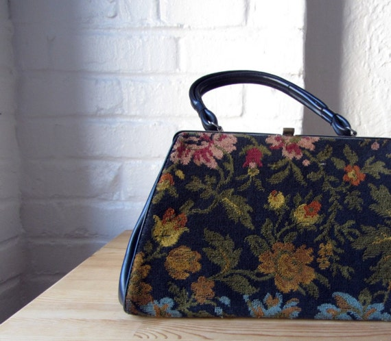Needlepoint purse . 60s tapestry bag . 1960s floral carpet handbag