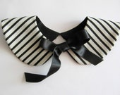 Sailor Style Black and White Stripe Handmade Detachable Collar with Satin Bow Tie Ribbon / Two Moon Peter Pan Col / On Trend Accessory