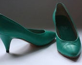 Vintage turquoise pumps, mint green pumps, green heels size 39