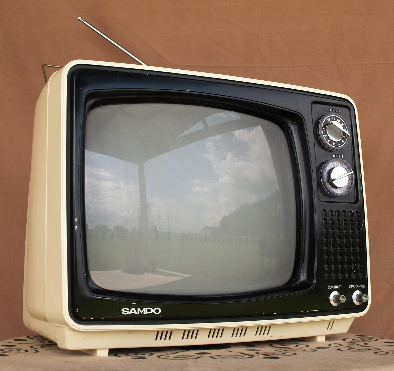 Awesome big vintage tv retro tv set by for Old black and white photos for sale