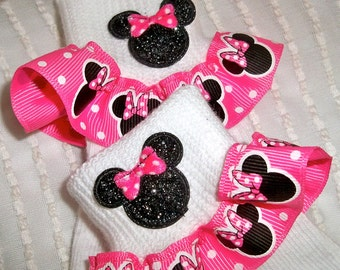 Minnie Mouse Adorable Ruffle Socks in Size Newborn-9yrs PINK OR RED