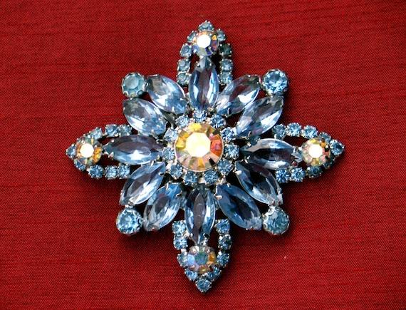 Vintage Glass Rhinestone Brooch Blue Floral