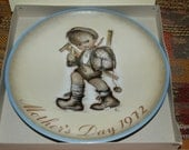 Mother's Day Collectors Plate Vintage Sister Berta HUMMEL