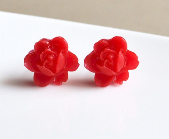 Red Flower Studs. Floral Earrings.Small Stud Post