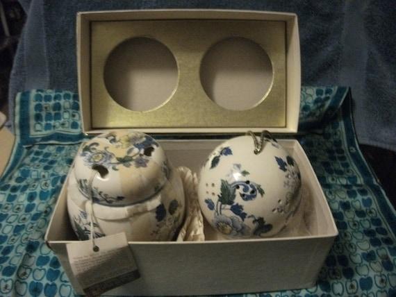 RESERVED for Chinabell Vintage 1950s Designer Andre Richard's Scentsomander & Sachet Holder in Original Box Now 12 USD