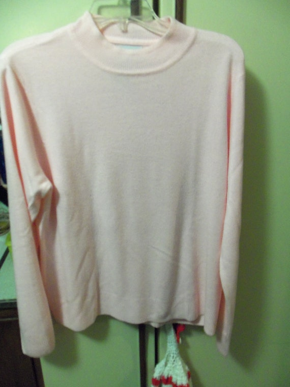 Vintage Pink Sweater by Sag Harbor Lightweight Knit in Extra Large fits busts to 48 inches Only 5 USD