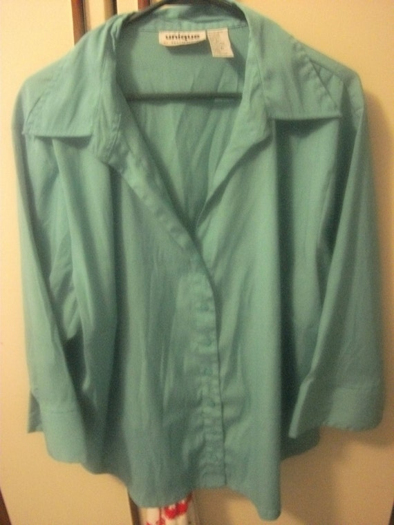 SALE 50% Off Vintage 1980s Unique 3X Light Blue Shirt low V cut Neckline and 3/4 sleeves Now ONLY 3.50 USD