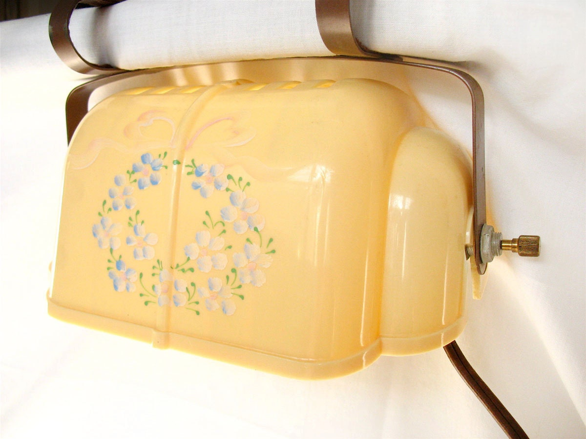 vintage headboard reading lamp clamp light retro yellow. Black Bedroom Furniture Sets. Home Design Ideas