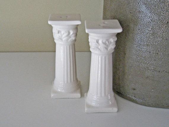 Greek Columns Salt Pepper Shakers Decorative Accessory