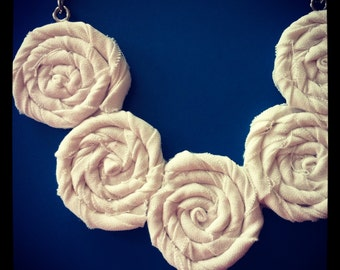 Cream White Rosette Necklace - Summer Elegance