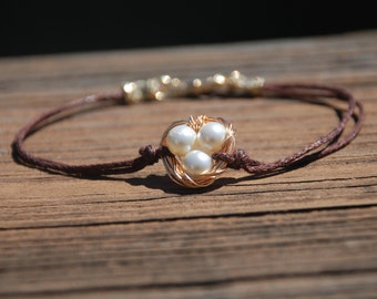 Baby Eggs In Nest Bracelet (Pearl)
