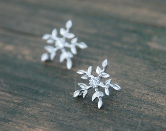 Stunning, SNOWFLAKE Stud Earrings, Sterling Silver Posts, Snowflake Earrings, Snowflake Posts, Birthday gift, Monther's day gift