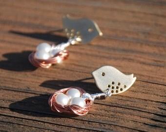Lovely Mom bird and Baby Eggs In Nest Earrings (3-Tones)