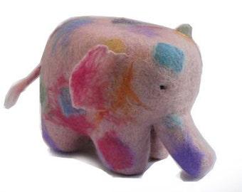 Needle felt kit, elephant in pastel colours, online tutorial