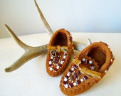 Vintage Beaded Native American Indian Moccasins Child size