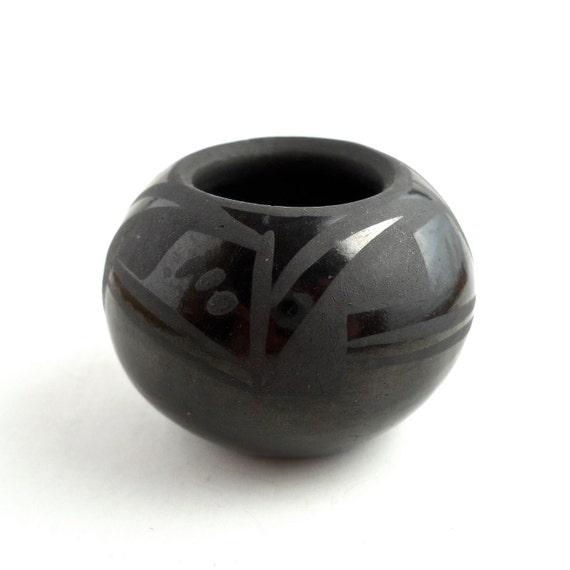 Birdell Bourdon Santa Clara Pueblo Blackware Seed Pot