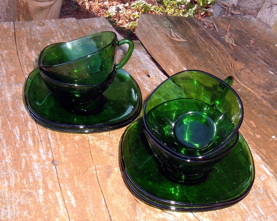 Vereco France 4 French Green Glass Coffee Cups & Saucers