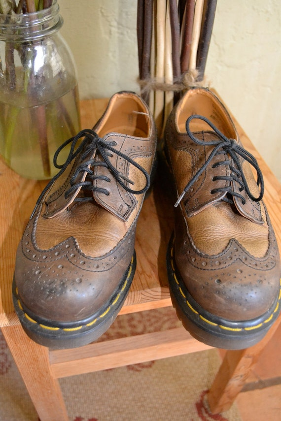 Doc Martens Classic Chunky Brown Wing-Tip Saddle Shoe sz 5 US 3 UK