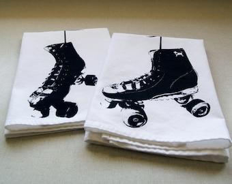 Hanging Roller Skates Set of 2 Cotton Napkins