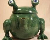 Monster Teapot - Monstros.i.tea - Green and Yellow