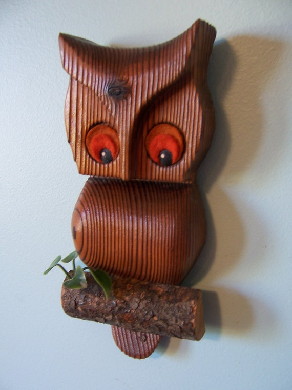MOD 1970's wooden owl-vintage wall hanging-kitsch home decor