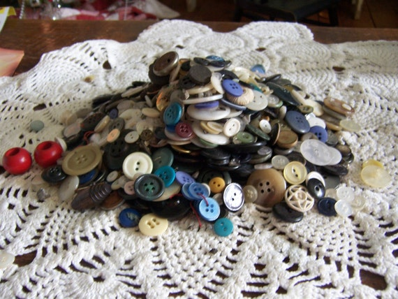 Oversized instant vintage button collection-retro buttons-anitque buttons-shabby chic decorSALESALE