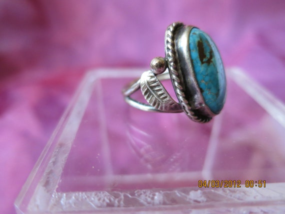 Ring Turqoise and Silver Southwest Navajo  Size 7