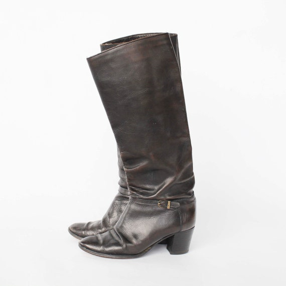 Knee high stacked heel riding boots // size 7
