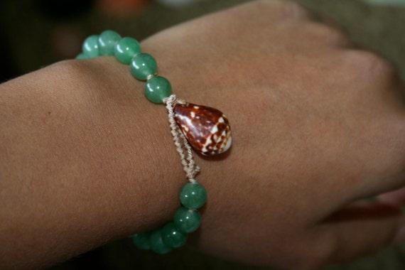 Seashell Bracelet-Hand Knotted Silk-Jade and Chaldean Cone Seashell-Natural Jewelry-Toggle Bracelet-Jade Beaded Bracelet-Pale Silk
