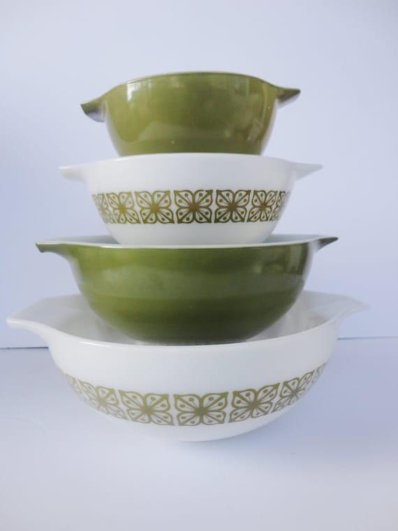 Vintage Green Pyrex Cinderella Nesting Bowls - Set of 4