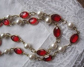 Red rhinestone and white faux pearl double wrap necklace. Vintage 80's