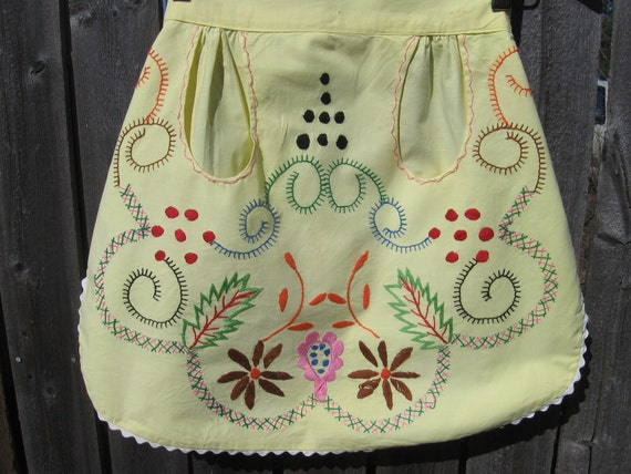 clearance-Vintage Portugal Hand Embroidered Apron