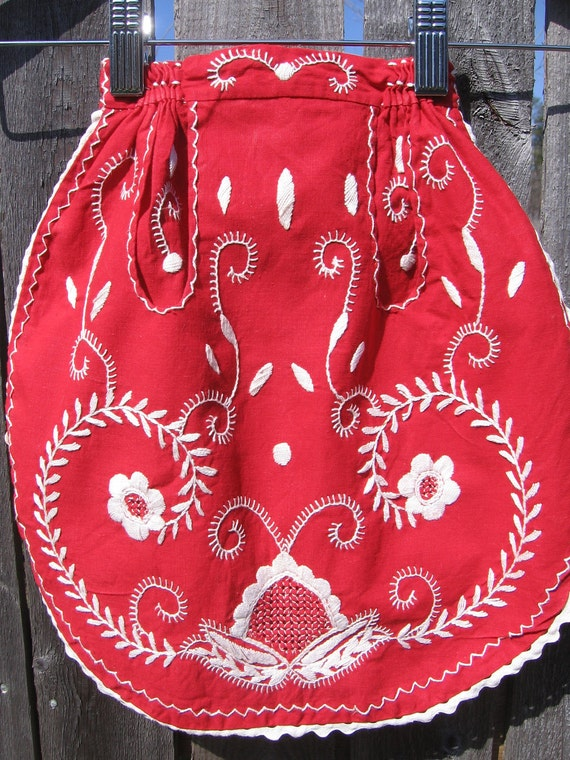 clearance-Vintage Portugal Hand Embroidered Small Children's Apron