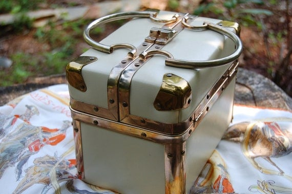 Hatbox Purse by Delill from the 60s