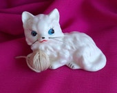 SALE  Vintage White Cat Holding Ball Of Yarn Figurine Cute Whiskers