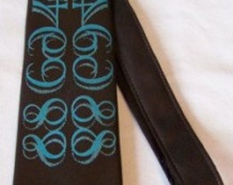 Gorgeous Brown 1970s Vintage Tie With Blue Design